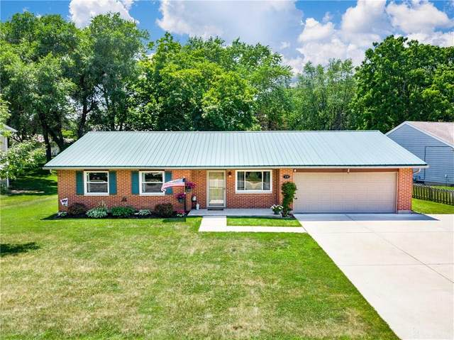 179 Lindell Drive, Germantown, OH 45327 (MLS #820595) :: Denise Swick and Company