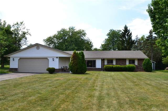 8385 Paragon Road, Centerville, OH 45458 (MLS #820740) :: Denise Swick and Company