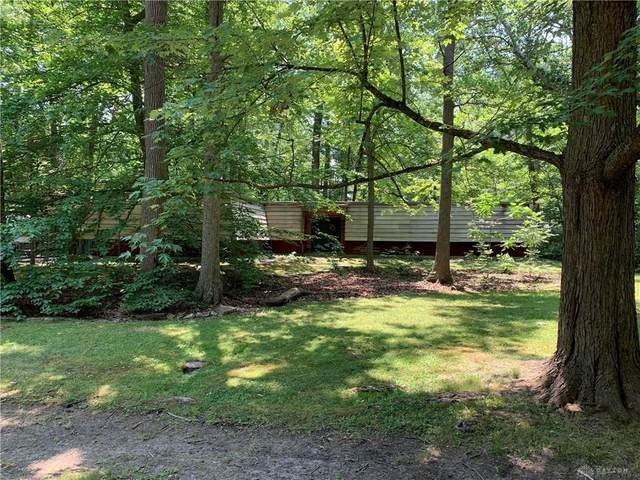 9809 Mintwood Road, Centerville, OH 45458 (MLS #820753) :: Denise Swick and Company