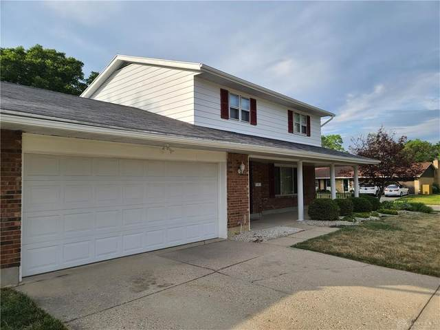 4701 Scothills Drive, Englewood, OH 45322 (MLS #820870) :: Denise Swick and Company