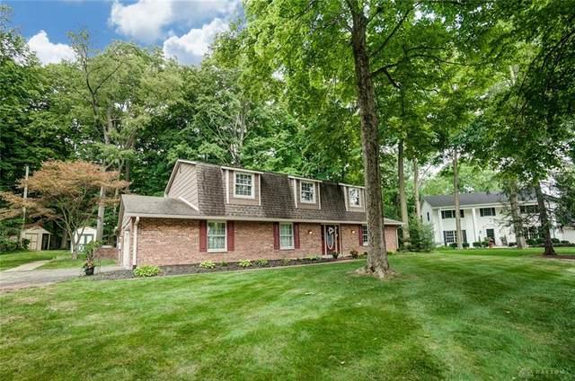 6040 Oak Hill Lane, Centerville, OH 45459 (#820986) :: Century 21 Thacker & Associates, Inc.