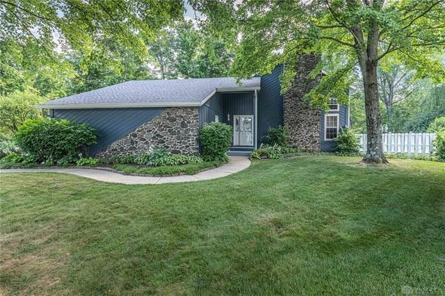 1933 Sugarwood Circle, Bellbrook, OH 45305 (MLS #821020) :: Candace Tarjanyi | Coldwell Banker Heritage