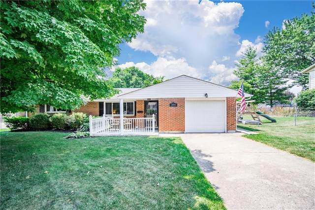 185 Redbud Drive, Springboro, OH 45066 (MLS #821075) :: Candace Tarjanyi | Coldwell Banker Heritage