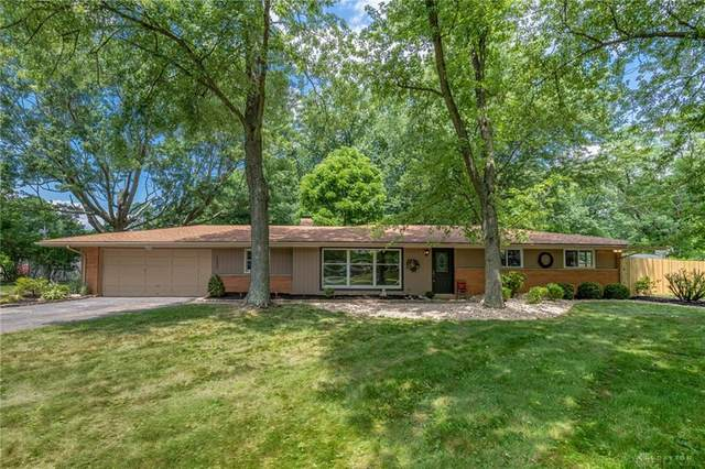 2232 S Linda Drive, Bellbrook, OH 45305 (MLS #821097) :: Candace Tarjanyi | Coldwell Banker Heritage