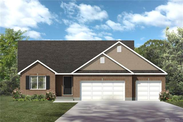 1202 Redbud Circle, Germantown, OH 45327 (MLS #821192) :: Candace Tarjanyi | Coldwell Banker Heritage