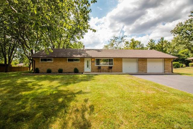 9257 Stephanie Street, Centerville, OH 45458 (MLS #821380) :: Denise Swick and Company