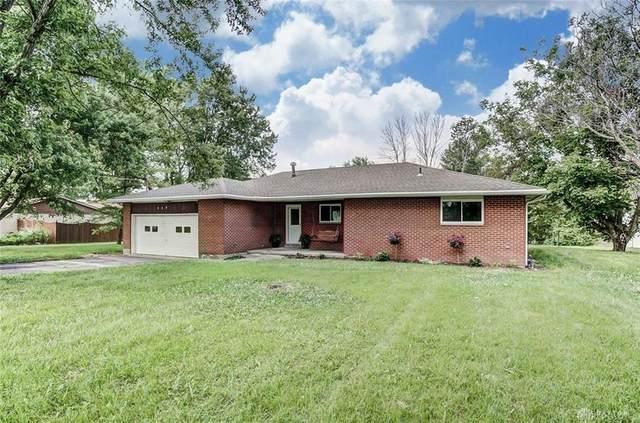 425 Kimmel Road, Clayton, OH 45315 (MLS #821604) :: The Gene Group