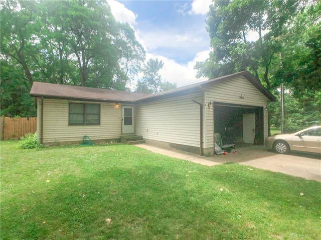 4 Lawndale Avenue, Fairborn, OH 45324 (MLS #821663) :: Denise Swick and Company