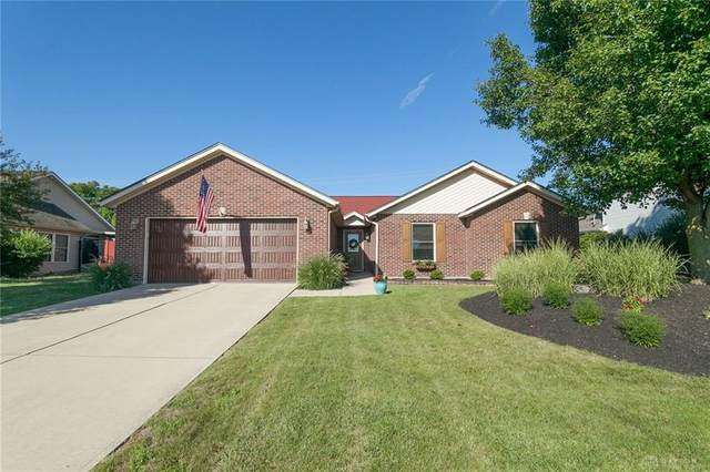 1090 Windsor Crossing Lane, Tipp City, OH 45371 (MLS #822440) :: Denise Swick and Company