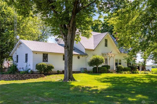 1810 Old Springfield Road, Vandalia, OH 45377 (MLS #822465) :: Denise Swick and Company