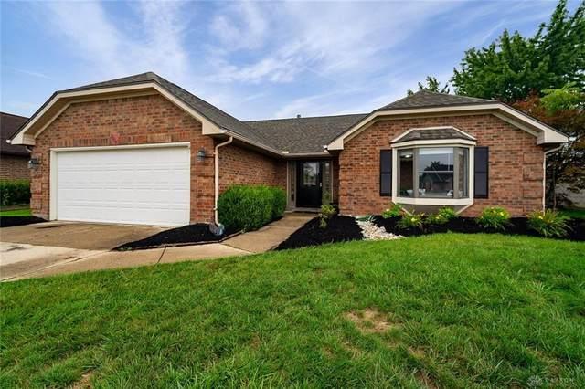 8808 Deer Hollow Drive, Huber Heights, OH 45424 (MLS #823184) :: The Gene Group
