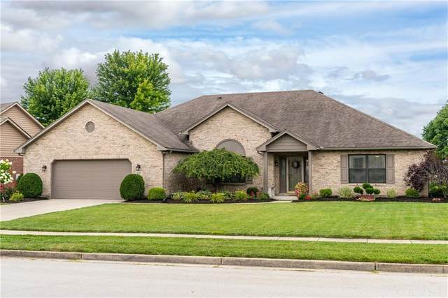 221 Old Carriage Drive, Englewood, OH 45322 (MLS #823359) :: Denise Swick and Company