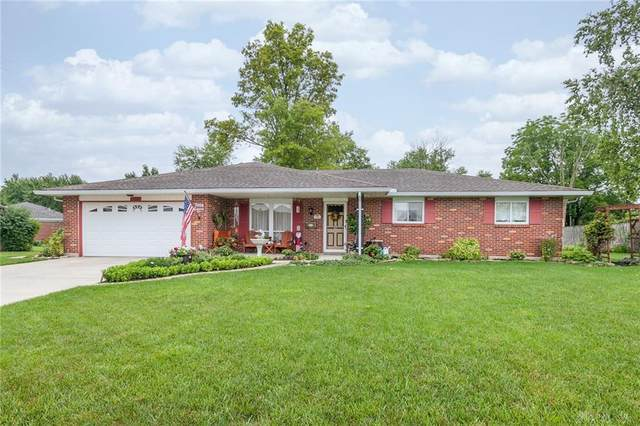 7006 Caliente Ct, Englewood, OH 45322 (MLS #823589) :: Denise Swick and Company
