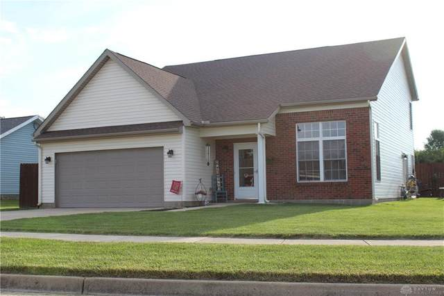 1162 Windsor Crossing Lane, Tipp City, OH 45371 (MLS #823642) :: Denise Swick and Company