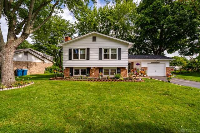 5647 Candlelight Lane, Dayton, OH 45431 (MLS #823897) :: Denise Swick and Company