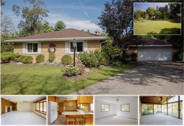 1615 Mercer Court, Yellow Springs Vlg, OH 45387 (#823908) :: Century 21 Thacker & Associates, Inc.