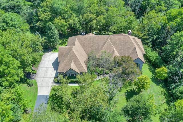 2959 River Edge Circle, Sugarcreek Township, OH 45370 (MLS #824047) :: The Gene Group