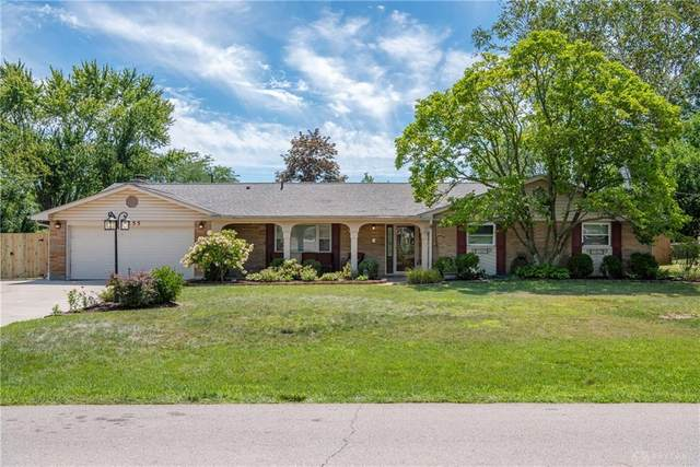 2255 Pine Knott Drive, Beavercreek, OH 45431 (MLS #824233) :: The Westheimer Group