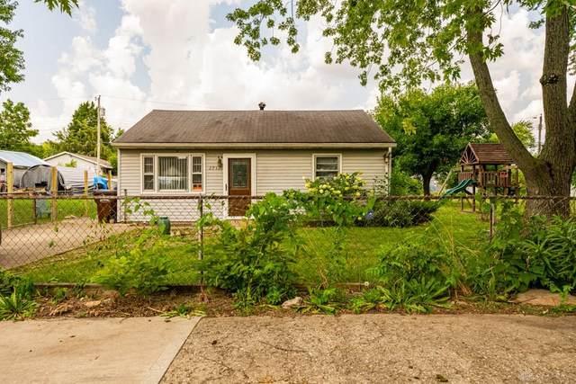 2731 Coronette Avenue, Dayton, OH 45414 (MLS #824514) :: The Gene Group