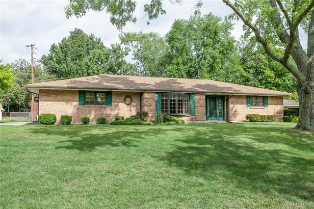 2807 Northlake Court, Butler Township, OH 45414 (MLS #825073) :: Denise Swick and Company