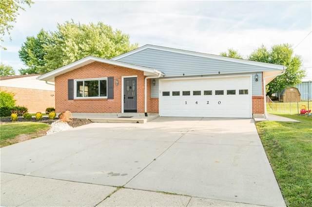 1420 Beaver Creek Lane, Kettering, OH 45429 (#825258) :: Century 21 Thacker & Associates, Inc.