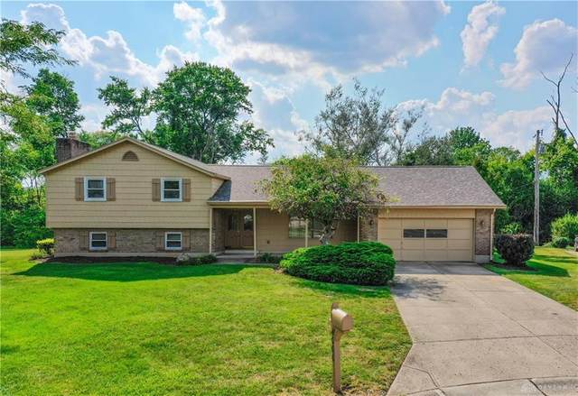 4000 Colemere Circle, Clayton, OH 45415 (#825370) :: Century 21 Thacker & Associates, Inc.
