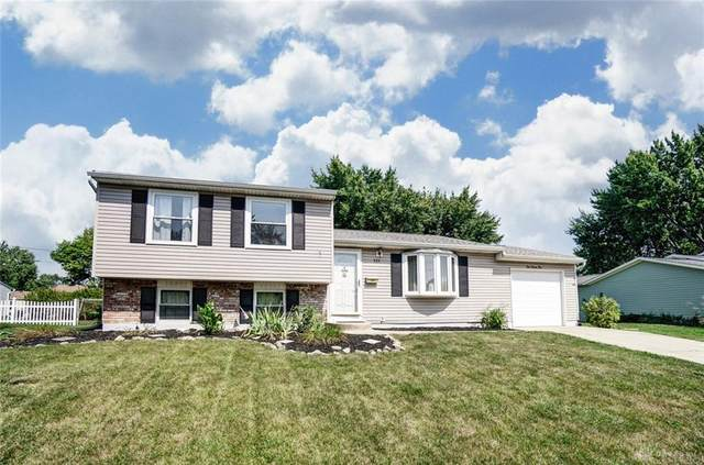 225 Southerly Hills Drive, Englewood, OH 45322 (MLS #825404) :: The Westheimer Group