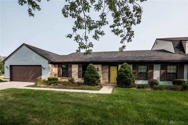 3981 Valley Brook Drive, Englewood, OH 45322 (#825785) :: Century 21 Thacker & Associates, Inc.