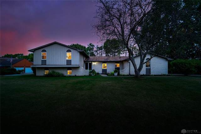 2875 Southfield Drive, Beavercreek, OH 45434 (#826050) :: Century 21 Thacker & Associates, Inc.