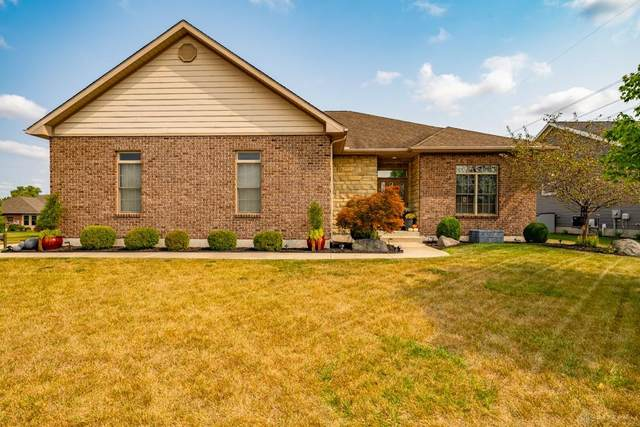 598 Storm Court, Tipp City, OH 45371 (MLS #826157) :: The Gene Group