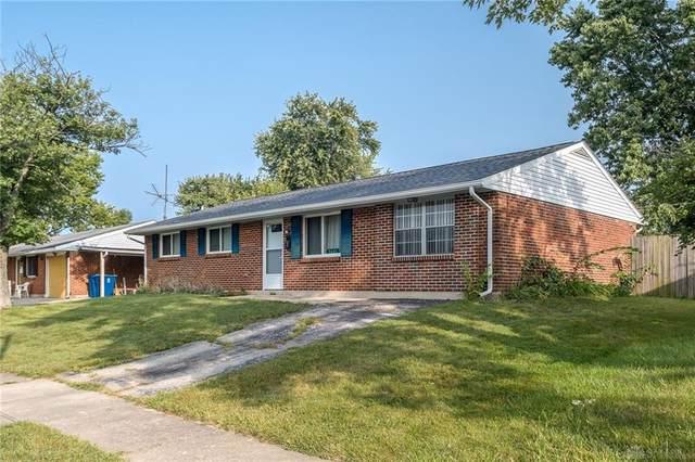 7401 Cedar Knolls Drive, Huber Heights, OH 45424 (#826169) :: Century 21 Thacker & Associates, Inc.