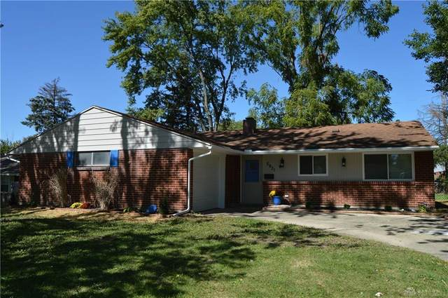 5931 Chambersburg Road, Huber Heights, OH 45424 (MLS #826367) :: The Westheimer Group