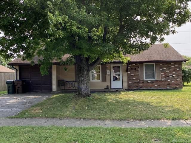 1955 Roxbury Drive, Xenia, OH 45385 (MLS #826825) :: The Gene Group