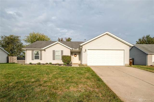 2236 Commonwealth Drive, Xenia, OH 45385 (MLS #826833) :: The Gene Group