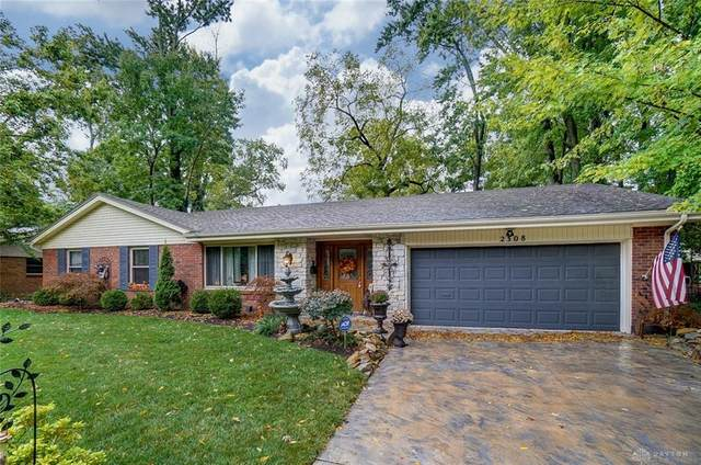 2308 Westlawn Drive, Kettering, OH 45440 (MLS #826963) :: The Westheimer Group