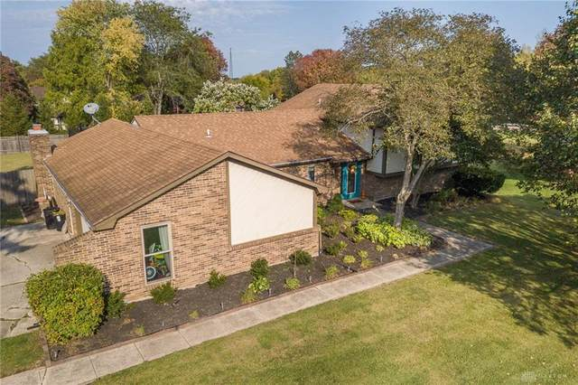 2742 Rhett Drive, Beavercreek, OH 45434 (MLS #827580) :: The Gene Group