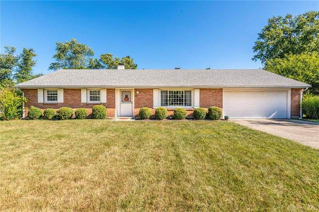 517 W Alex Bell Road, Centerville, OH 45459 (MLS #827745) :: The Gene Group