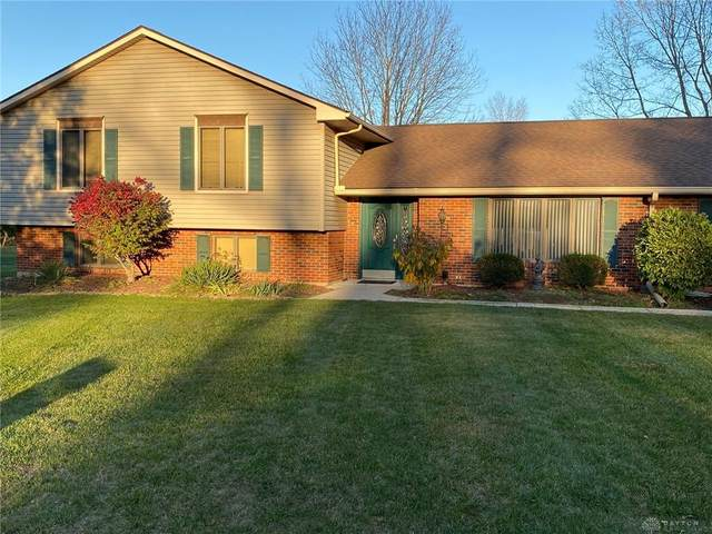 2732 Rhett Drive, Beavercreek, OH 45434 (MLS #828059) :: The Gene Group