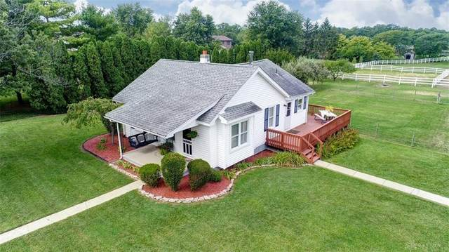 9765 Clearcreek Franklin Road, Springboro, OH 45342 (MLS #828283) :: Denise Swick and Company