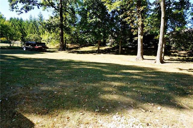 3666 Cedarwood Lane, Beavercreek, OH 45430 (MLS #828347) :: The Gene Group