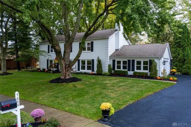 7640 Cloverbrook Park Drive, Centerville, OH 45459 (MLS #828659) :: The Gene Group
