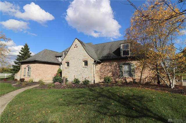 7468 Foxdale Drive, Waynesville, OH 45068 (MLS #828774) :: Denise Swick and Company