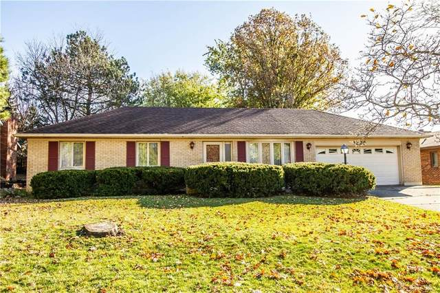 1225 Greenmoore Drive, Greenville, OH 45331 (MLS #829455) :: The Westheimer Group