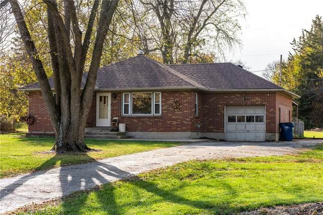 1371 Ridgeway Drive, Mad River Township, OH 45506 (MLS #829727) :: The Westheimer Group