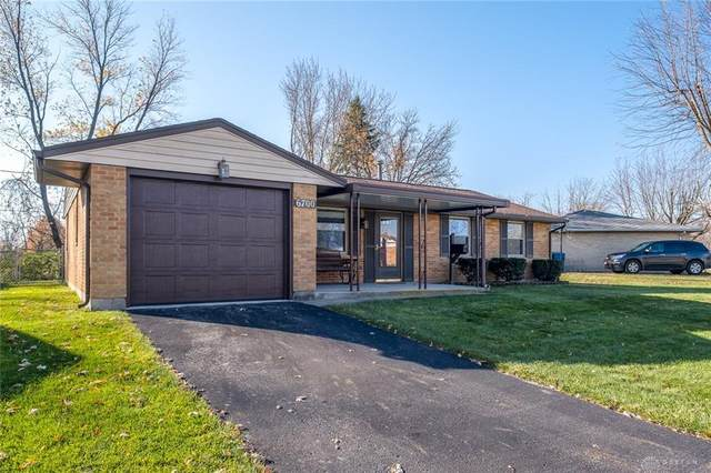 6700 Summerdale Drive, Huber Heights, OH 45424 (MLS #830125) :: The Westheimer Group