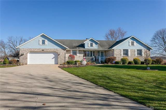 5556 Auburn Drive, Greenville Twp, OH 45331 (MLS #830286) :: Denise Swick and Company
