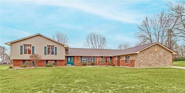 2732 Rhett Drive, Beavercreek, OH 45434 (MLS #833148) :: The Westheimer Group