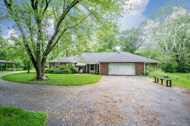 8753 Clyo Road, Centerville, OH 45458 (MLS #834718) :: Denise Swick and Company