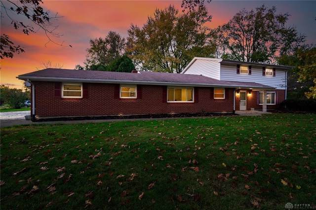 681 Deauville Drive, Washington TWP, OH 45429 (MLS #836023) :: The Gene Group