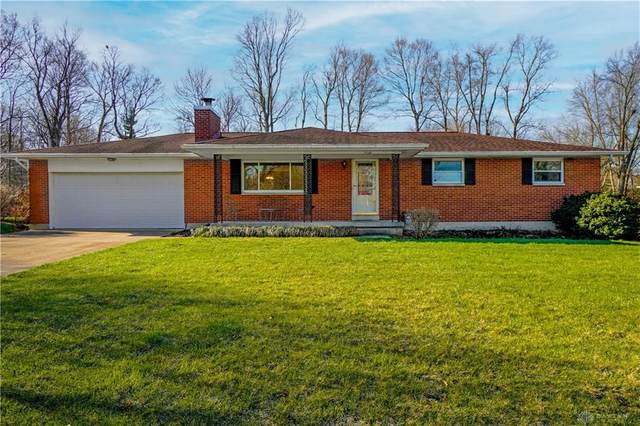 2779 Coldsprings Drive, Beavercreek, OH 45434 (MLS #836104) :: The Gene Group